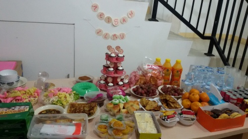 Our 1st Potluck <3